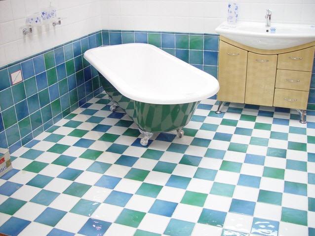 שיפוץ אמבטיה לפי דרישה - מיקי האינסטלטור שלכם!
